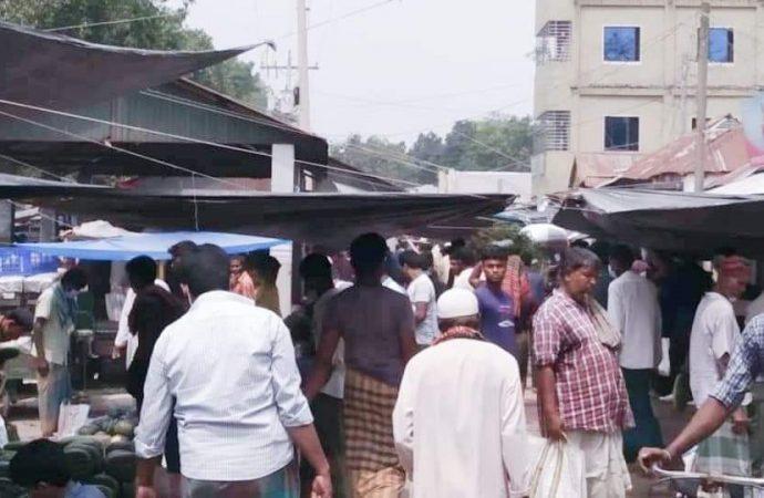 সর্বাত্মক লকডাউনে কুষ্টিয়া জনশূন্য : কঠোর অবস্থানে আইনশৃঙ্খলা বাহিনী