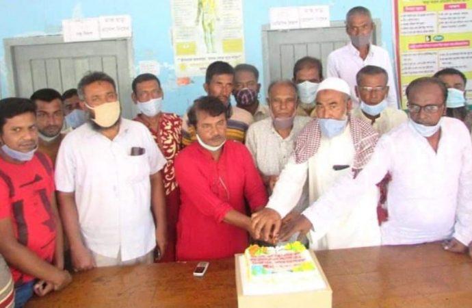 শিবগঞ্জ ইউনিয়ন আওয়ামীলীগের ৭২ তম প্রতিষ্ঠা বাষির্ক উপলক্ষে কেক কর্তন