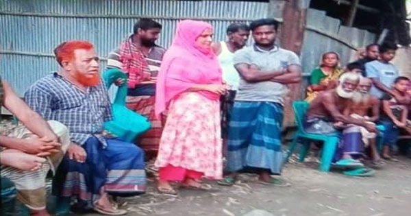 """শিবগঞ্জে """"দেবর -ভাবী"""" গোপনে বিয়ে করায় গ্রাম ছাড়ার নির্দেশ দিয়েছেন,মাতব্বররা"""