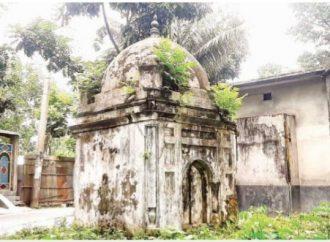 পলাশবাড়ীতে সবচেয়ে ছোট প্রাচীন মসজিদ